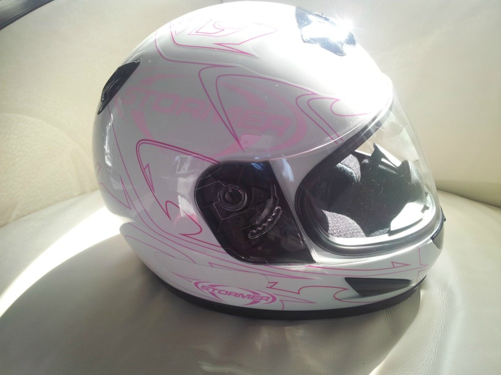 Casque neuf pour fille(taille S) marque AIROH
